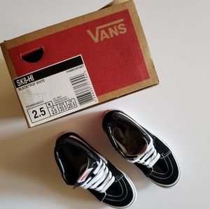 Vans SK8-HI Black and White